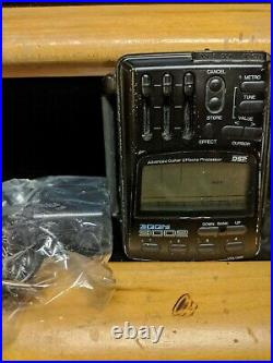 Zoom 9002 digital guitar effects processor refurb with new battery and AC